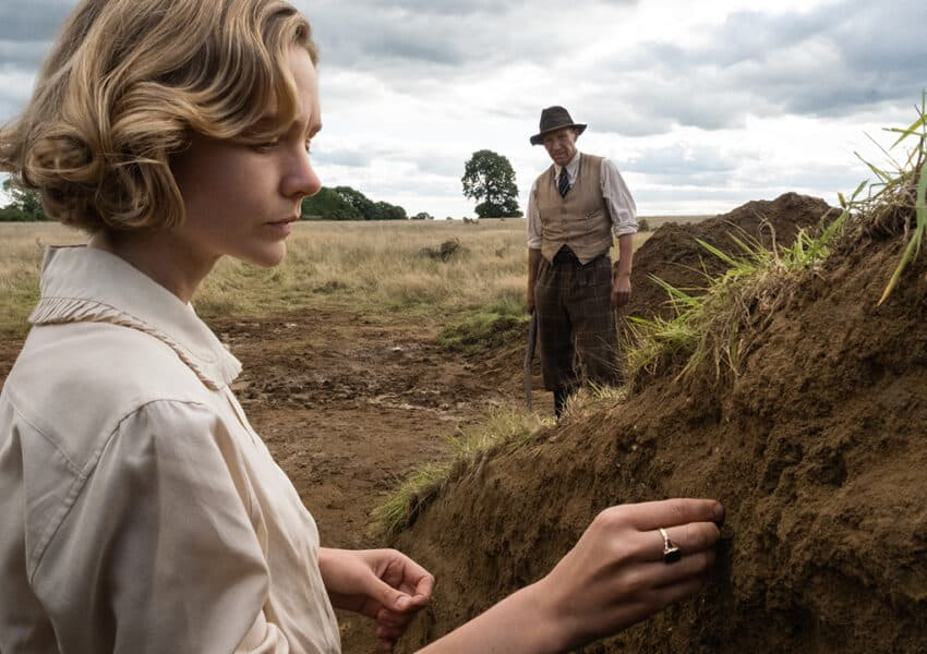 Carey Mulligan and Ralph Fiennes star in trailer for The Dig